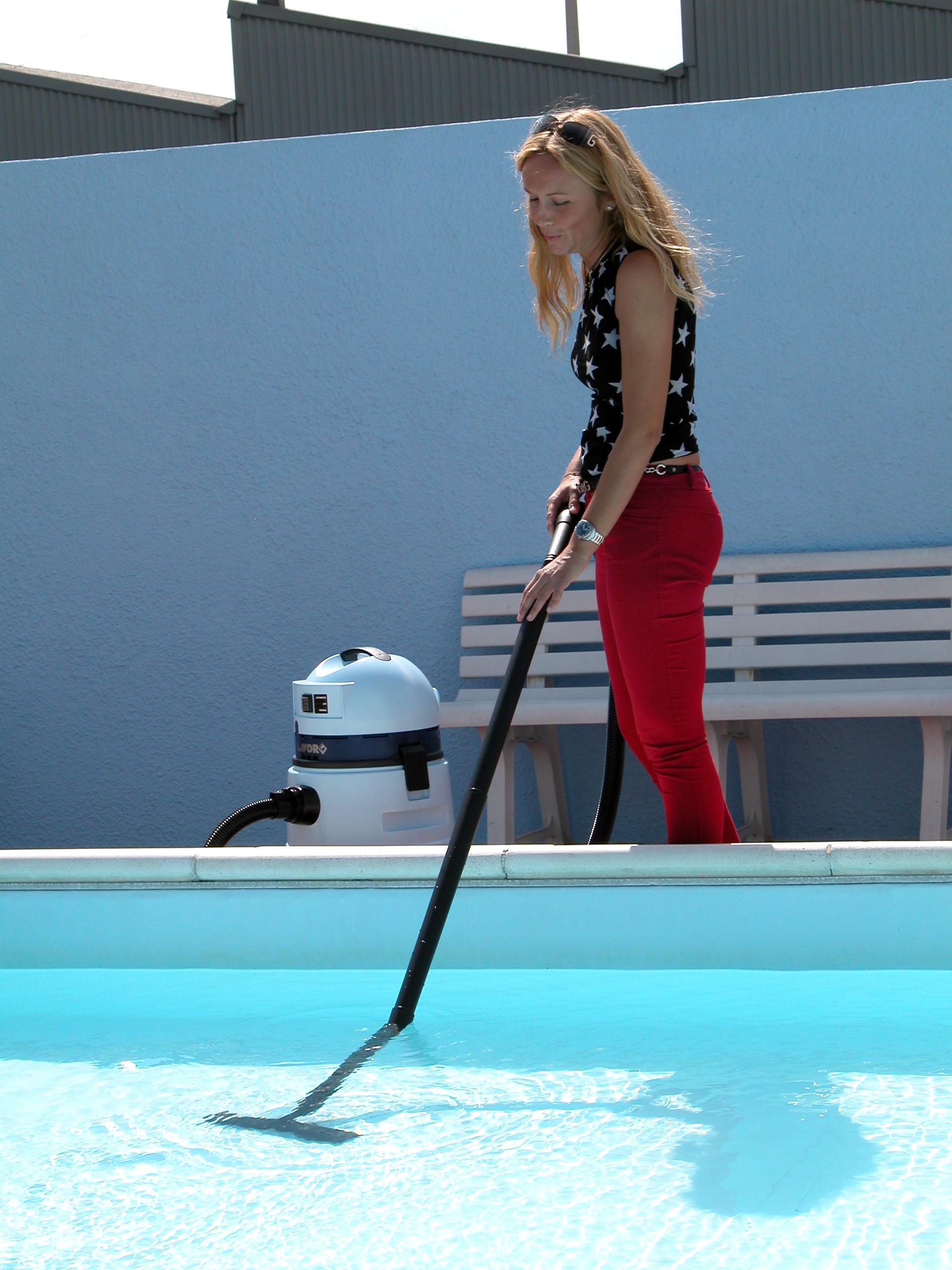 su agritechstore i migliori prodotti per la pulizia e il mantenimento delle piscine
